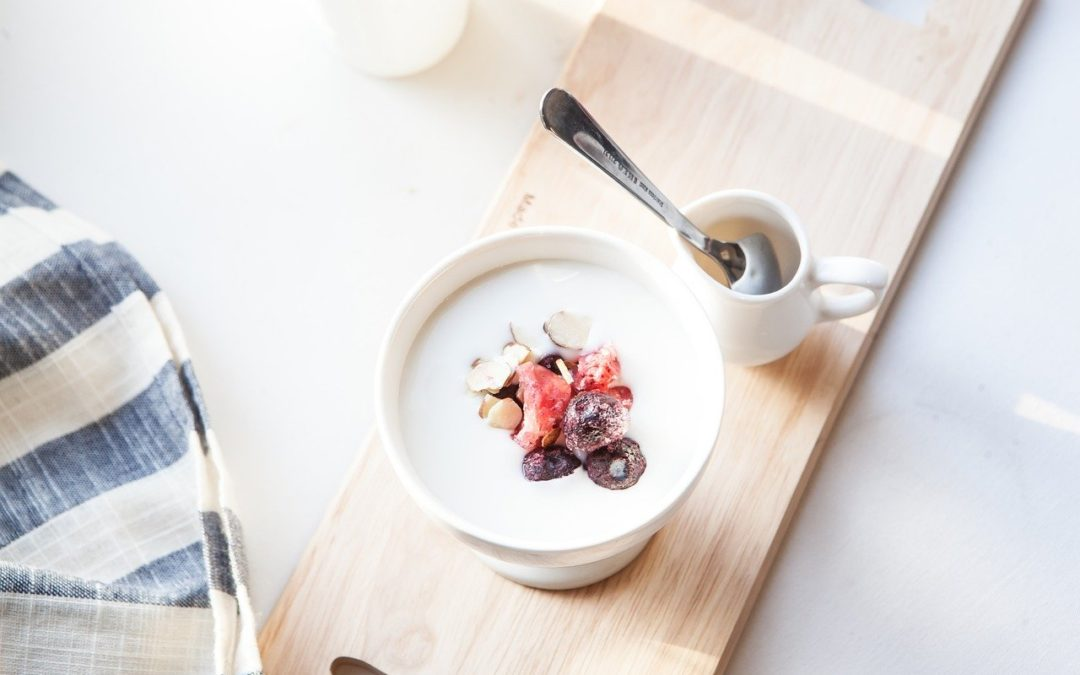 Le yaourt est il bon ou mauvais pour les chats ?